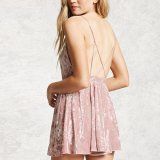 Form-Frauen reizvoller V-Stutzen Samt-Backless Kleidung-Beleg-Kleid