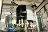 Vaso de agua automático de llenado y tapado el equipo