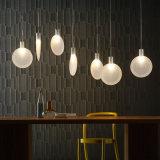 Lámpara moderna ligera pendiente de cristal creativa de la raqueta LED para el comedor