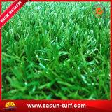 De Chinese Kunstmatige Mat van het Spel van het Gras voor het Decor en de Speelplaats van het Huis