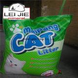 Limpiar la litera de gato respetuosa del medio ambiente popular de la bentonita de las patas