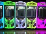 Машина игры крана игрушки машины электронной игры когтя игрушки призовая