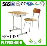 Jogos de madeira baratos da mesa da universidade da mesa de Factroy e da mobília de escola da cadeira para o Sell