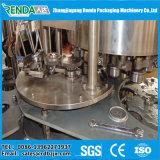 El líquido auto conserva el equipo del enlatado de la máquina de rellenar/de cerveza