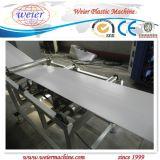 Boudineuse à vis jumelle pour la chaîne de production UV de bordure foncée de PVC d'impression