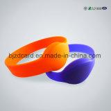 Wristband силикона RFID обломока UHF Hf Lf нестандартной конструкции