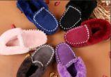 Pattini casuali del mocassino della pelle di pecora australiana classica per gli uomini e le donne