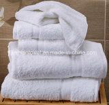 Usine de serviettes en coton blanc de gros hôtel Serviette de bain Salon avec un logo personnalisé