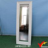 De uitstekende Witte Hout Frame Kosmetische het Kleden zich Spiegel van de Vloer