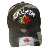 Gorra de béisbol caliente de Camo de la venta con la insignia ensamblada 13611