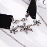 新しい方法女性のための水晶花の入れ墨のチョークバルブのネックレス