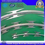 単一のコイルのための中国の製造者のGalvanzied Razroの有刺鉄線