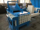 Überschüssiges Aluminium, das Maschine aufbereitend emballiert