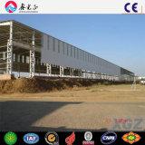 Capannone prefabbricato affusolato di basso costo della struttura d'acciaio della sezione di H in Sudafrica