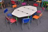 8人の子供のための普及した子供の子供の調節可能な机