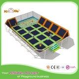 Il trampolino variopinto di alto salto del quadrato di sicurezza per i bambini dirige dalla fabbrica