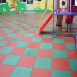 De binnen RubberTegel van de Betonmolen van de Tegel Kleurrijke Rubber Kringloop Rubber (GT0101)
