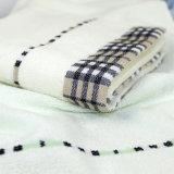 Низкая цена двух наборов полотенце с Сиро вращается в гостинице