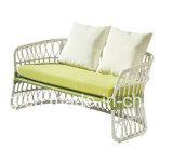 Preiswertes weißes Luxuxrattan-aus Weiden geflochtenes im Freienmöbel-Sofa