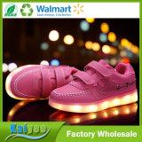 Leuchtende Schuhe für Kinder USB, der auf Sport-Schuhen auflädt