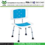Se utiliza silla de aluminio del Hospital Médico Ducha y silla de baño