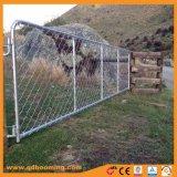 溶接された網の電流を通された塀のパネルの農場のゲート
