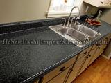Controsoffitti neri della cucina del granito
