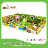 Commerciële Speelplaats Binnen in het Groene Thema van de Kleur