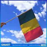 폴란드 나무로 되는 깃발을 물결치는 고품질 공장 공급 국가 패턴 손