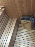 Sala de sauna a vapor com 3 pessoas