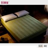 Protezione imbottita del materasso di colore solido