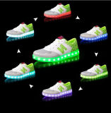 Vendite dirette della fabbrica dei pattini chiari unisex su superiori di alta qualità LED