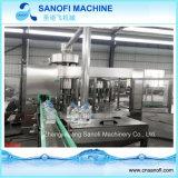 Machine de remplissage en plastique de petite taille de l'eau minérale de bouteille
