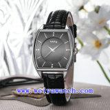 De Luxe van het Horloge van de Naam van de douane Dame Fashion Wrist Horloge (wy-037D)