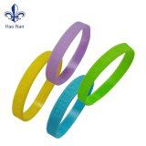 Venda quente Eco-Friendly Bright-Colored econômica bracelete de Silicone