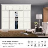 De klassieke 2 Schuifdeuren bouwden Garderobe in