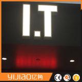 El LED por encargo profesional que hacía publicidad de señalizaciones iluminó muestras del salón de pelo de la carta de canal LED
