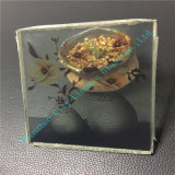 Elegante Kunst-Glas mit schöner Blume nach innen
