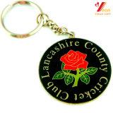 Esmalte suave Keychain encantador del metal de encargo barato de la insignia del enchufe de fábrica para el Keyring del anuncio