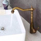De antieke Tapkraan van de Wasbak van het Toilet van de Badkamers van het Hete/Koude Water van het alle-Koper Draaibare