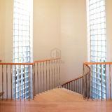 Scala moderna della Camera che recinta l'inferriata solida del Rod dell'acciaio inossidabile