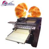 Cortador moldando da massa de pão da máquina do Croissant automático profissional do equipamento da padaria