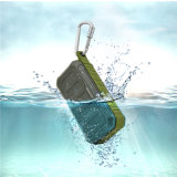 En el exterior del altavoz inalámbrico portátil con Bluetooth Bluetooth resistente al agua altavoz incorporado en el MIC (M5).