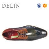 De rubber Enige Met de hand gemaakte Schoenen Mens van het Leer
