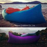 快適な耐久の椅子の空気ベッドの自己の膨脹可能なバナナのラウンジのソファー