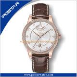 L'ODM montre-bracelet personnalisé de la réserve de puissance avec cache de diamant
