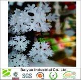 クリスマスの装飾のためのポリエステル物質的なハングの擬似雪片