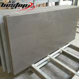 Reine hellgraue vorgeschnittene Quarzcountertop-Standardplatten für Verkauf
