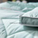 Гусына 100% хлопка постельных принадлежностей вниз оперяется Quilt сини