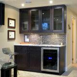 Gabinete de cozinha feito-à-medida da madeira contínua
